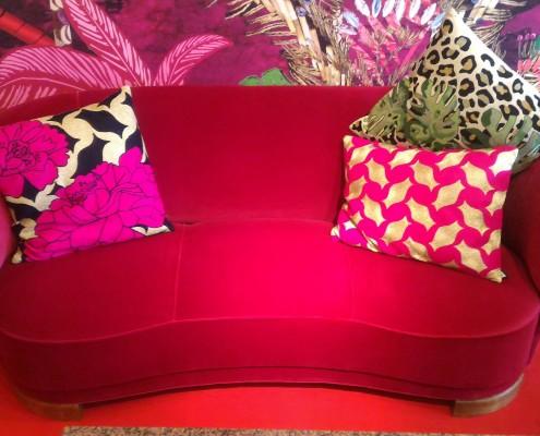 sofa rose