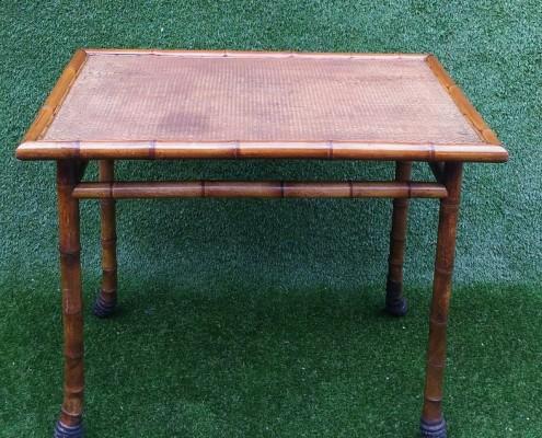 Grande table en bambou