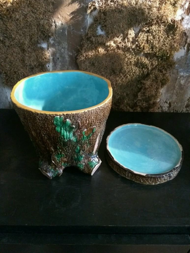 Majolica Tree Stump Planter - Minton - GALERIE VAUCLAIR
