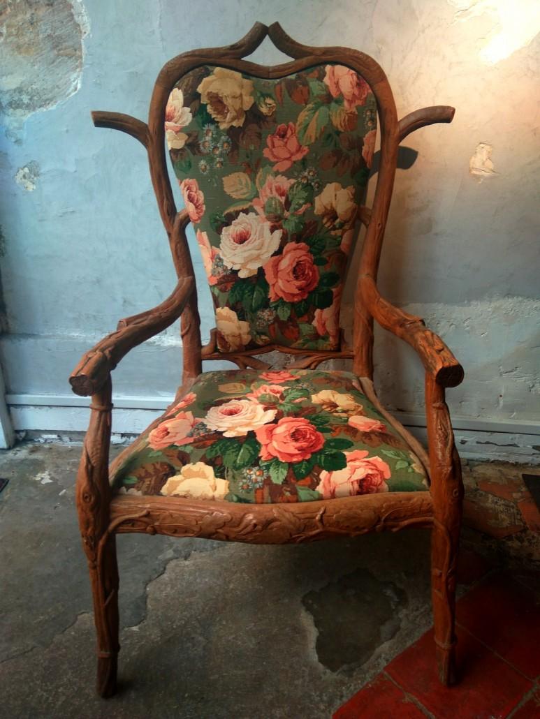 fauteuil en bois sculpt galerie vauclair. Black Bedroom Furniture Sets. Home Design Ideas