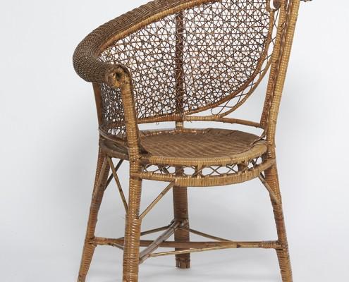 fauteuil asymétrique en rotin