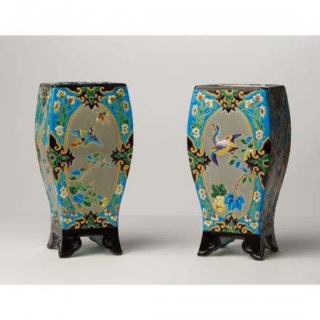 Vases quadrangulaires bordeaux