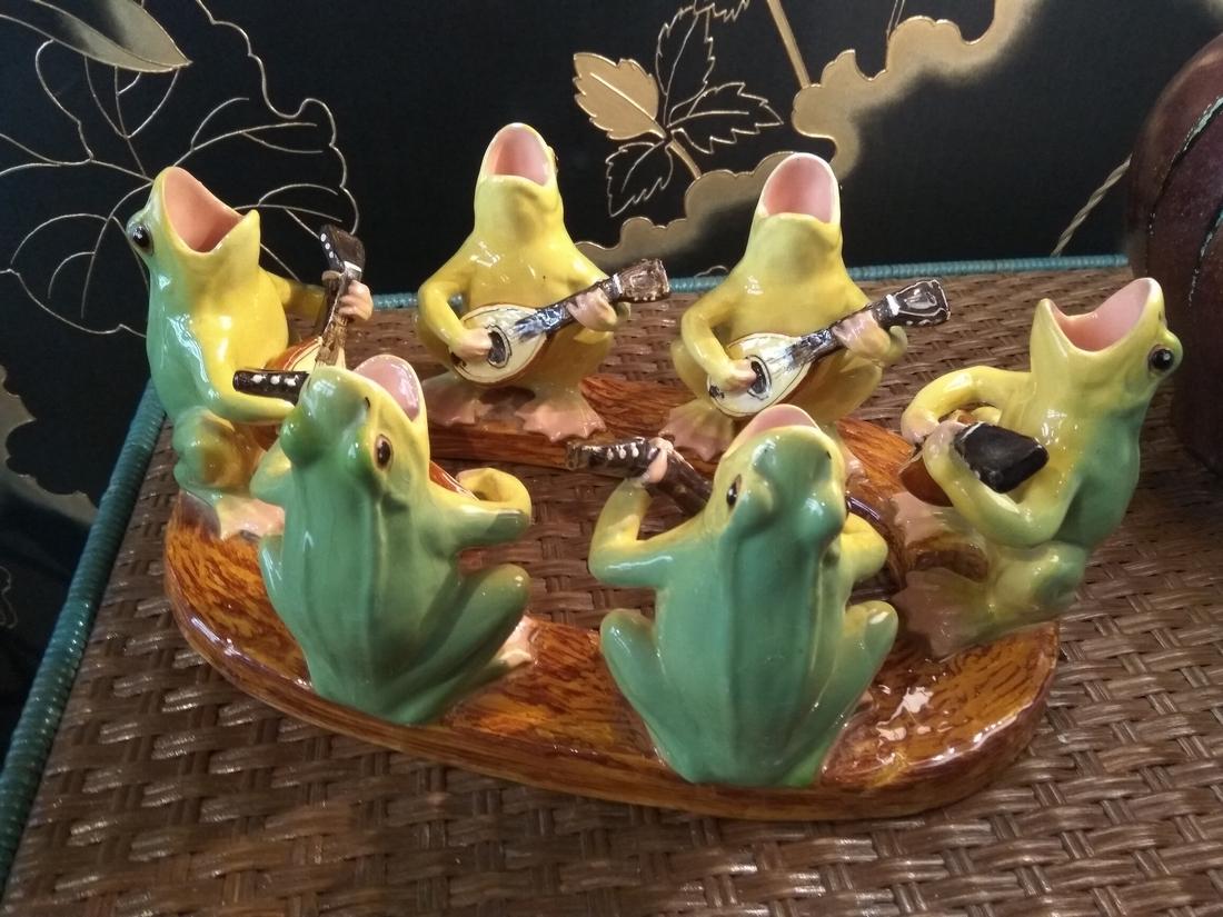 centre de table aux grenouilles
