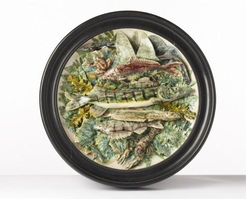 plat circulaire aux poissons