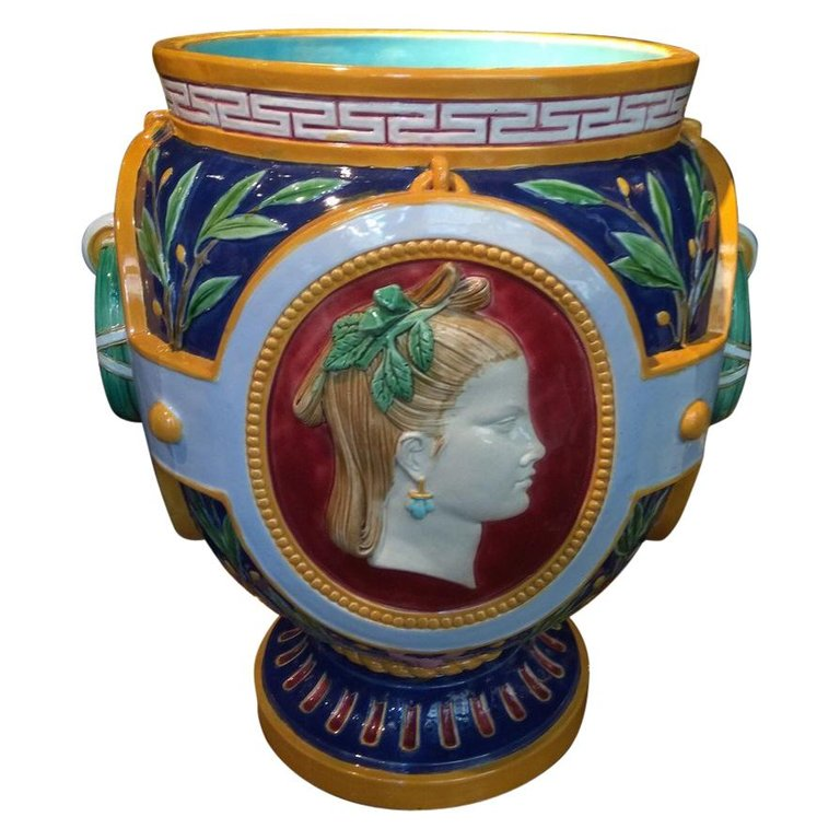 cache-pot néoclassique